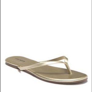 Steve Madden Gold Metallic Flip Flops Sz 7
